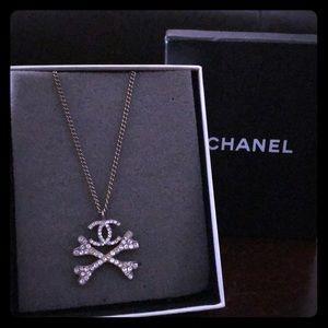 Rare & unique Chanel necklace ☠☠❤️❤️